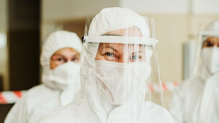 Всплеск коронавируса ожидается после новогодних каникул