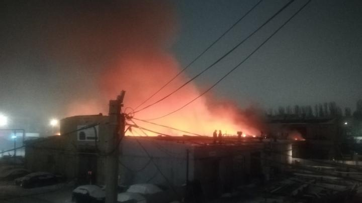 Саратовские пожарные: 49 пожаров произошло за праздники, в Ленинском сгорел цех СТО