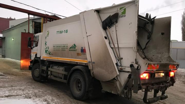 365 мусоровозов вышло на маршруты в новогодние праздники