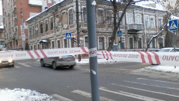 Вместо очистки снега центр Саратова перегородили ленточками