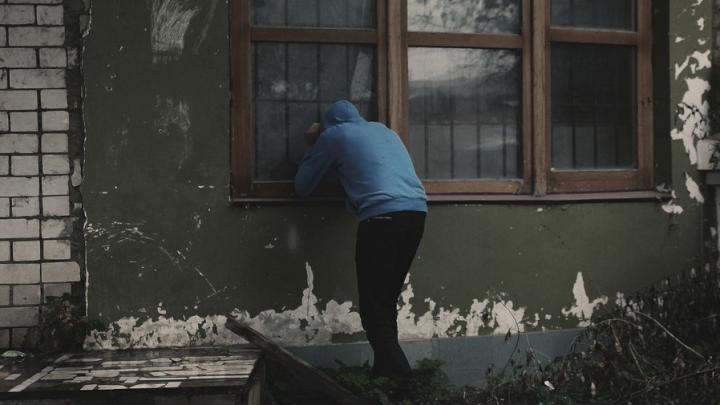 В Саратове в рождественскую ночь вор унес из квартиры имущества на 150 тысяч рублей
