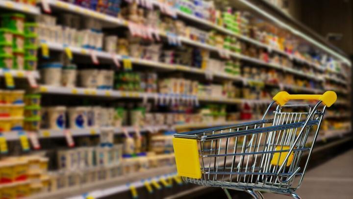 Минпромторг прокомментировал информацию о сложностях с закупкой масла и сахара в регионах