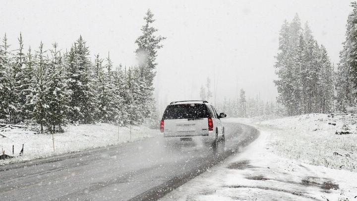 Сильный снег и заносы ждут на дорогах саратовцев