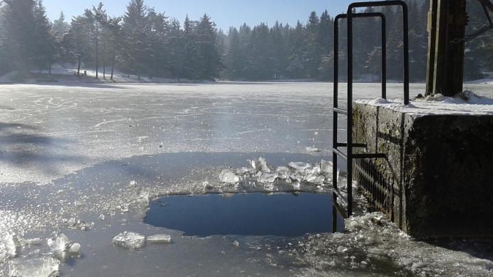 Митрополит советует отказаться от крещенских купаний в этом году