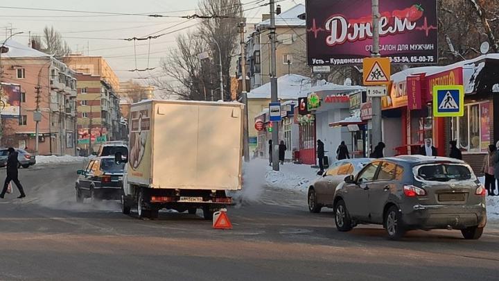 На Чапаева пробка из-за ДТП