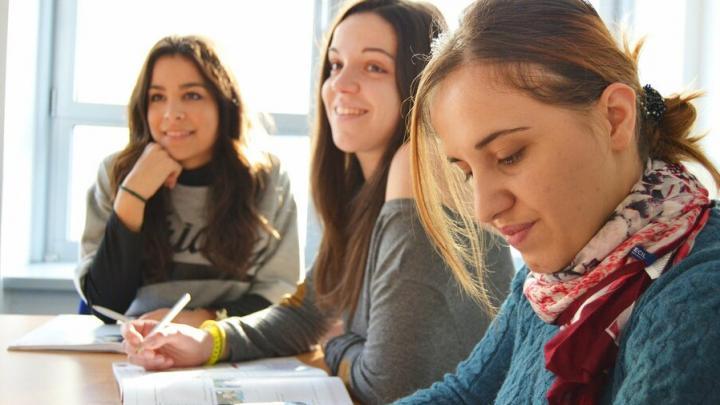 В Саратовской области из-за морозов снова отменены занятия в школах