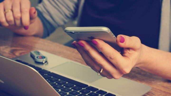 Масштабные перебои с мобильной связью начались в России