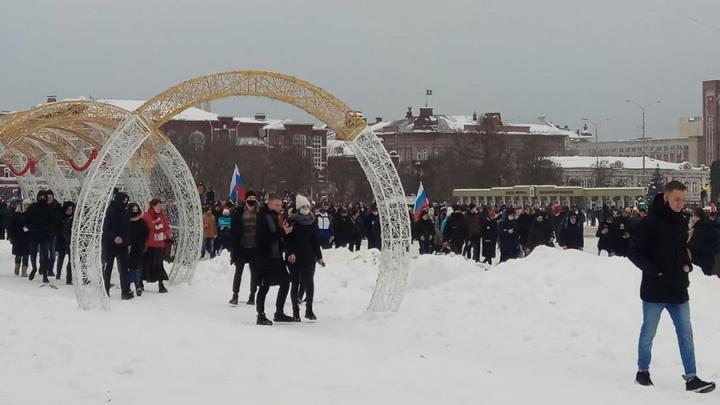 МВД не комментирует ситуацию с задержаниями на митинге в Саратове