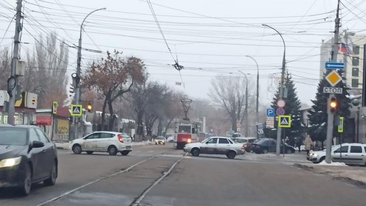 В центре Саратова не работают четыре светофора