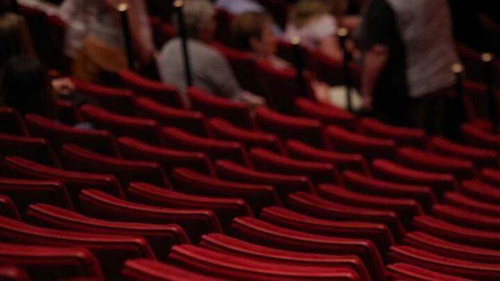 Театры в Саратовской области разрешено заполнять наполовину