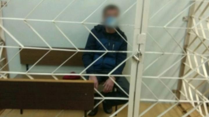 Балаковец пригласил в гости незнакомца, наутро соседка нашла труп | 18+