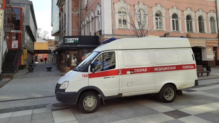 Саратовский минздрав нашел новое решение проблемы с кадрами на «скорой»