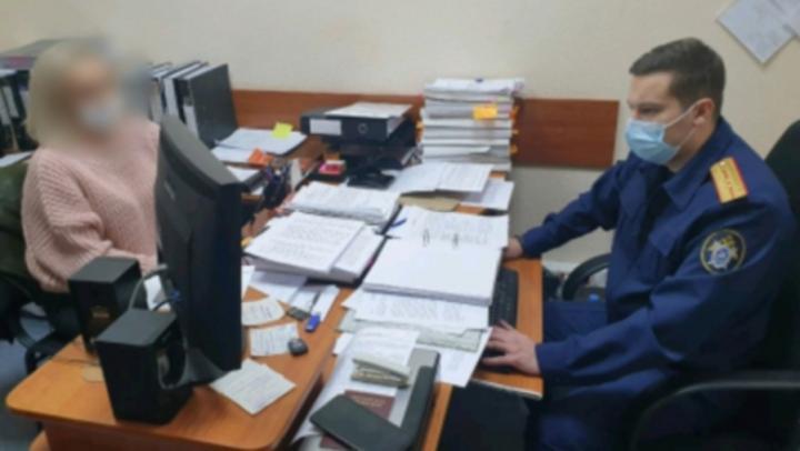 В Саратове продлили арест учительнице, обвиняемой в двойном убийстве
