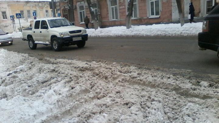 Саратовские чиновники надеются, что снег растает сам