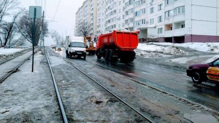 «Девятый» трамвай встал на «Стрелке» в Саратове