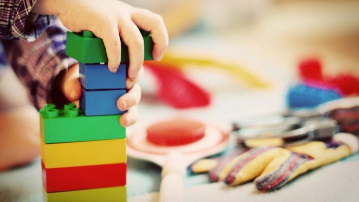 На учете для поступления в детские сады Саратовской области стоят более 24 тысяч детей