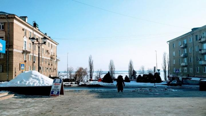 В Саратовской области переведены «на удаленку» из-за морозов 194 308 учеников