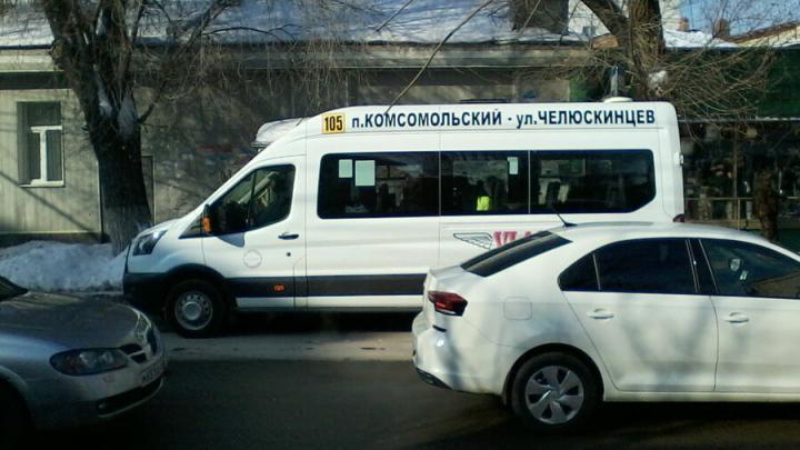 В саратовских маршрутках морозят пассажиров
