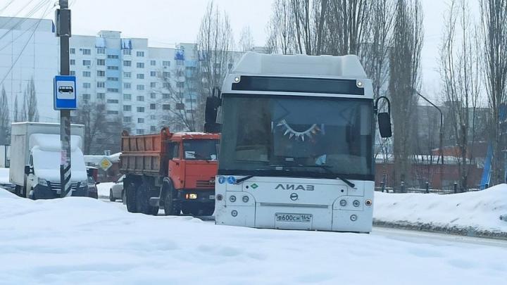 В Солнечном серьезная пробка из-за ДТП на Тархова