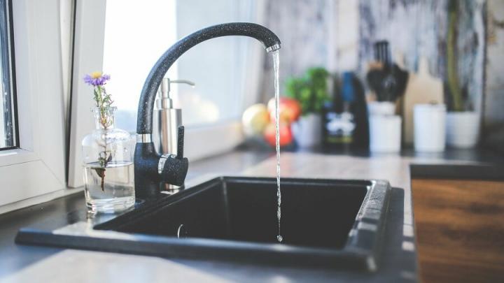После вчерашней аварии проверяют воду и микроклимат в домах