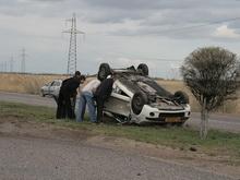 Четверо пострадали в перевернувшемся автомобиле