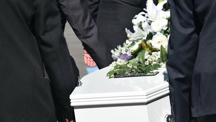 Организация VIP-похорон в Москве: правильно выбираем траурные атрибуты