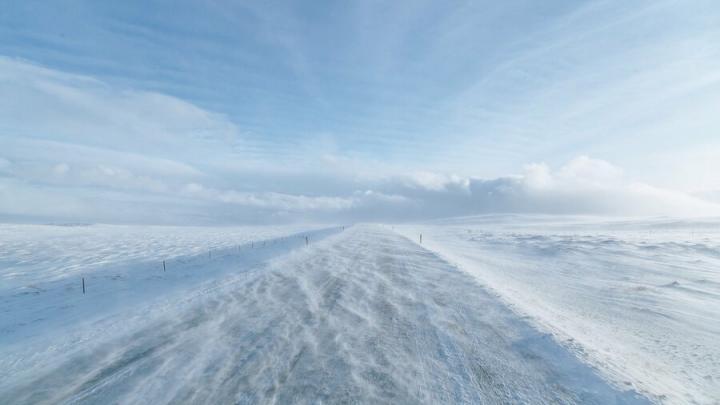Легкая облачность и ветер в Саратове