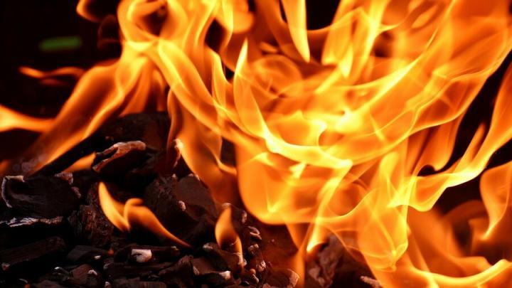 В Пугачеве начался пожар из-за неисправной печи