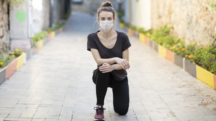 Число заболевших коронавирусом вернулось к значениям октября прошлого года