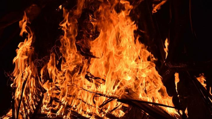 Трехкомнатная квартира горела на Большой Казачьей в Саратове