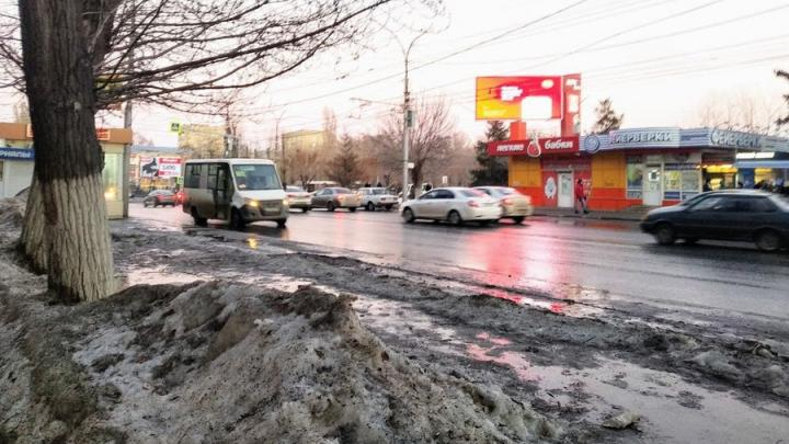 Накануне 8 Марта зима не покидает Саратов