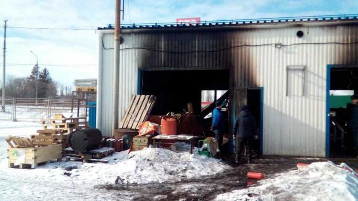 У Сторожевки сгорела станция техобслуживания