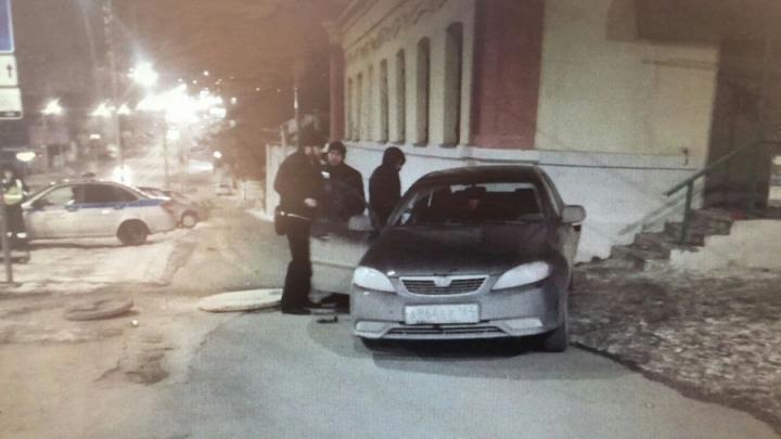 Пустой автомобиль сбил саратовчанку на Радищева