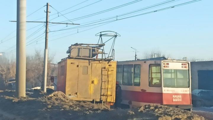 На Политехнической в Саратове встал трамвай «девятка»