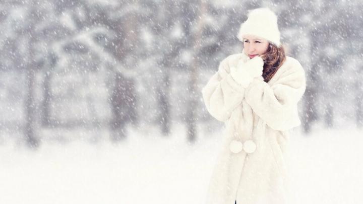 Саратовец получил все издержки за некачественное норковое пальто, но покупку не вернул