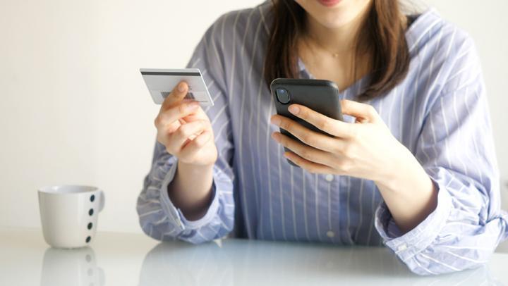 SIM-карты МегаФона уже продаются на автозаправках и в киосках печати