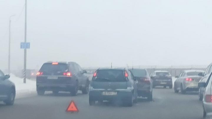 Саратовцев предупредили о густом тумане и гололедице