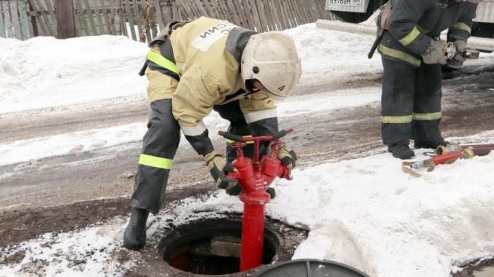Только один пожарный гидрант работает на Увеке