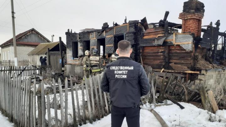 Житель Вольского района не смог спасти мать из огня