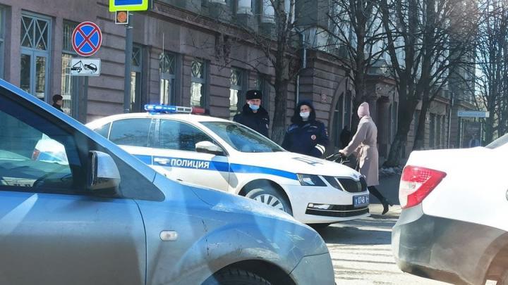 Из-за эвакуации мэрии Саратова перекрыта улица Первомайская