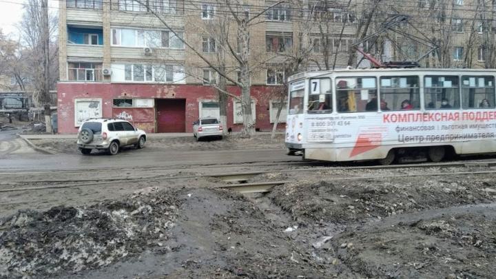 Жители 2-го Пролетарского поселка не хотят скоростной трамвай в Саратове, им нужны нормальные рельсы в своем районе