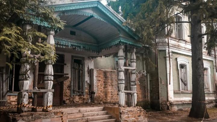 Усадьбу Нарышкиных в селе Пады отреставрируют до конца следующего года