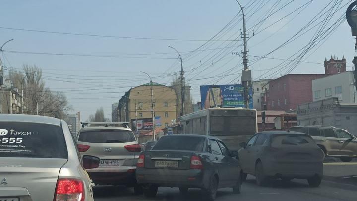 Авария на Чернышевской спровоцировала большую пробку