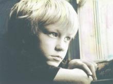 Десятилетний мальчик сбежал от пьяной матери и пытался путешествовать автостопом