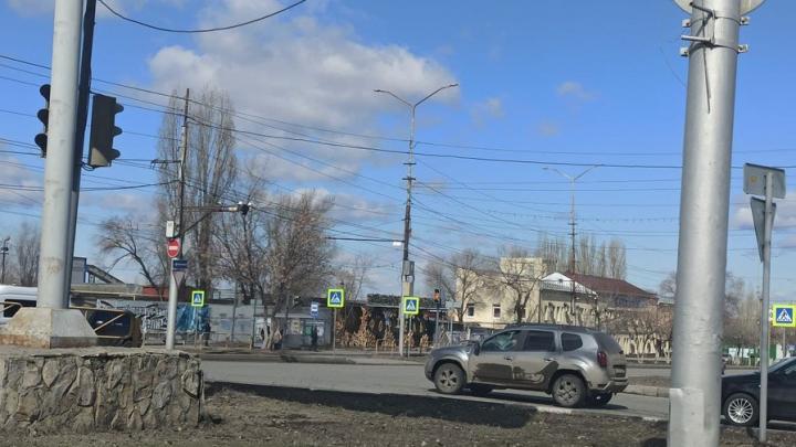 Светофоры на Антонова в Саратове отремонтируют в ближайшее время