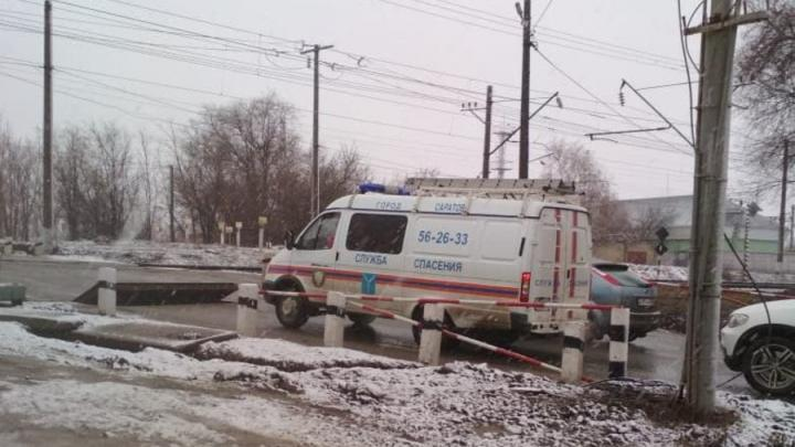 Поезд сбил женщину на переезде на Сокурском тракте в Саратове