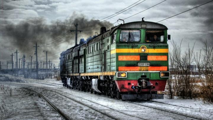 Сбитая поездом саратовчанка шла через рельсы в наушниках