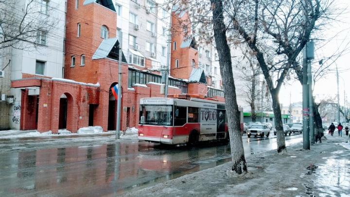 Троллейбусы № 2а и 4 не ходят из-за ремонта на Чернышевского в Саратове