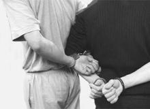 Нападавший на полицейского Хайдиев приехал оборонять родственников от скинхэдов