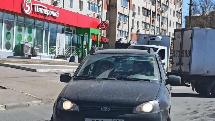 Адская пробка на Навашина в Кировском районе Саратова